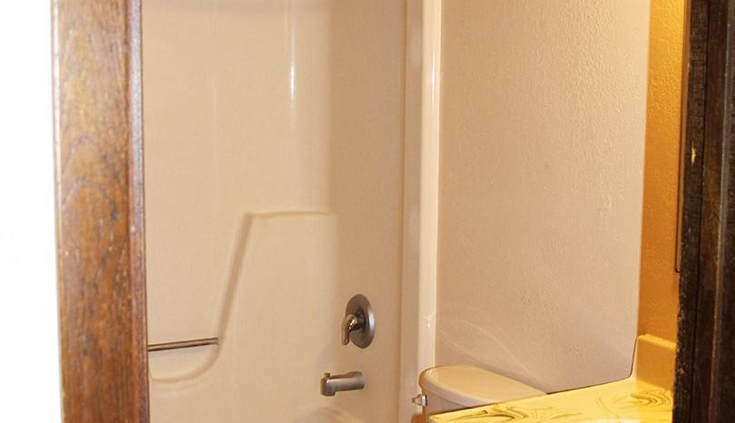 westwood-apartments-bathroom
